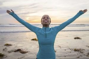 woman praising-PRAISE RICHMOND